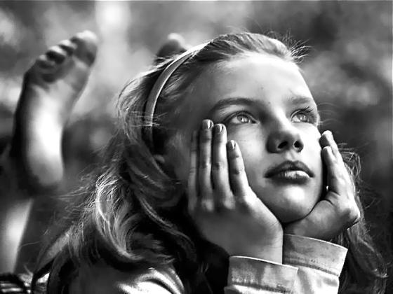 daydreaming-girl