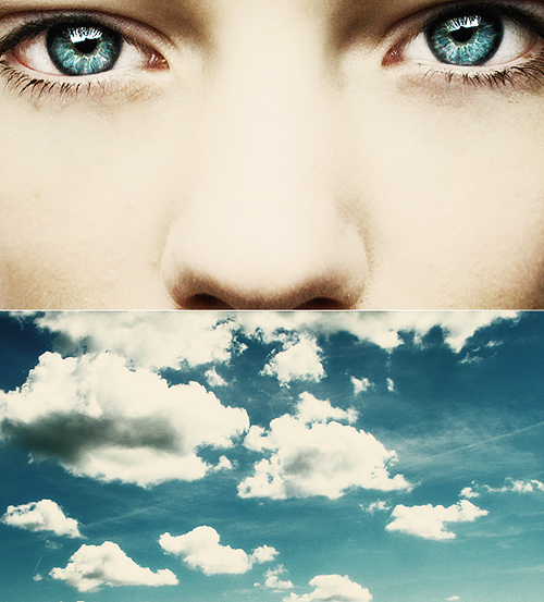 Staring_at_the_blue_blue_sky_by_ByLaauraa