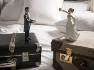 wedding-figurines-afp